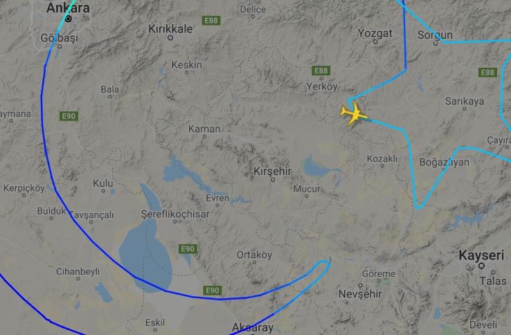 FlightRadar24 Voo 777 Turkish Desenho Bandeira Nacional