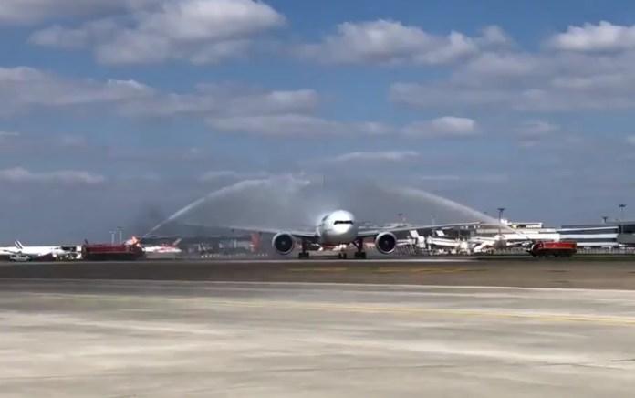 Avião Air France Saudado Jatos Água Fechamento Paris Orly