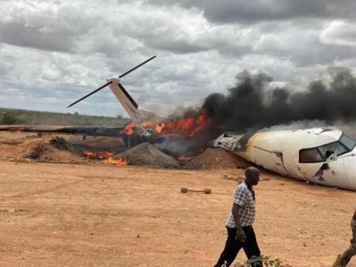 Acidente Dash 8 Somália Pouso Asno Pista