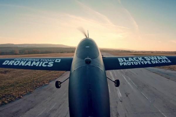 DHL trocará aviões e veículos terrestres por 4.000 drones.