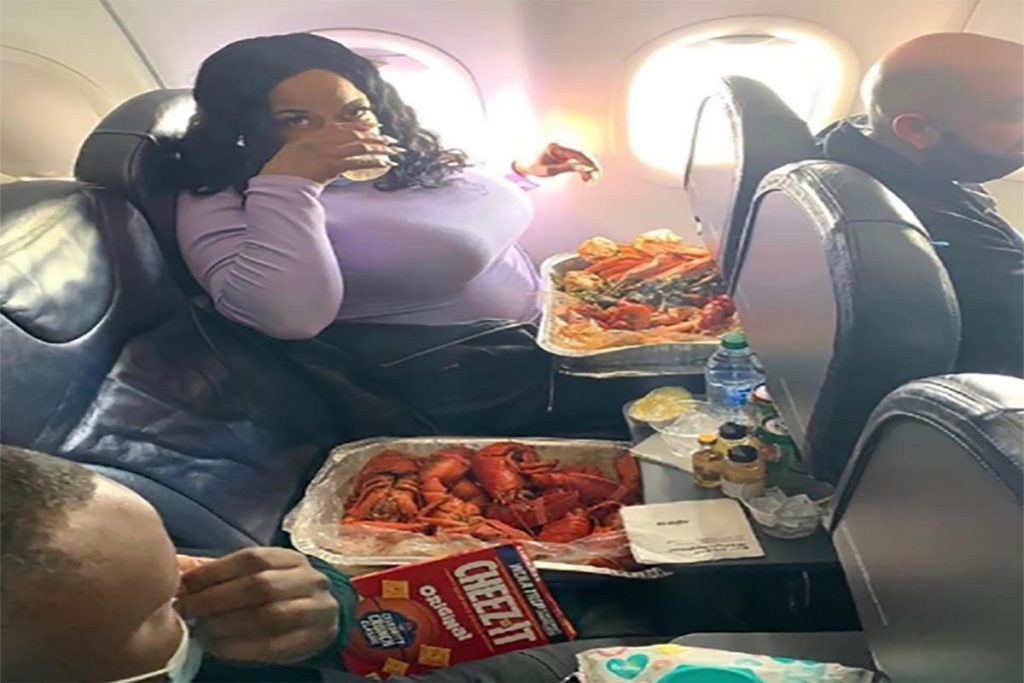 Woman Brings Entire Seafood Boil On An Airplane