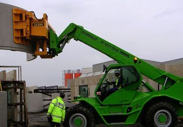 A vacuum handling device used during construction