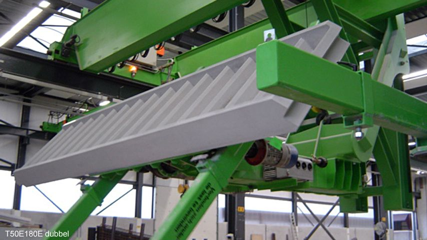 Vacuum lifter of Aerolift which is able to turn elements 90 degrees