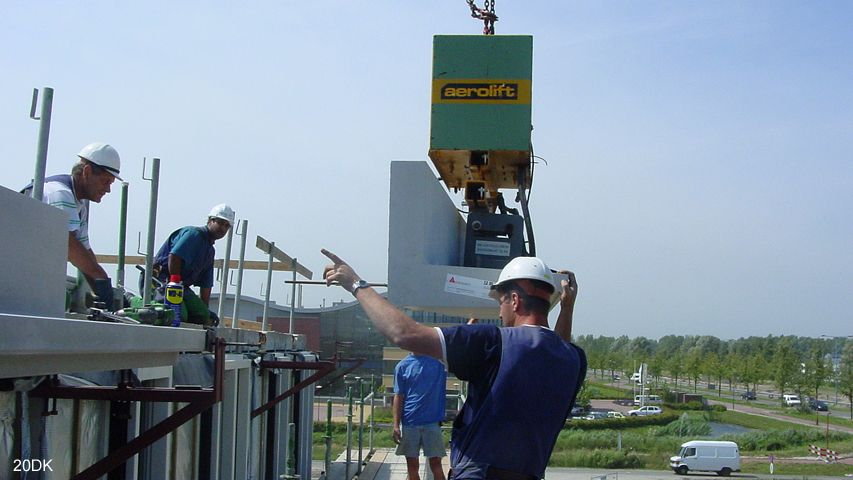 Vacuum lifter of Aerolift which is used during construction activities