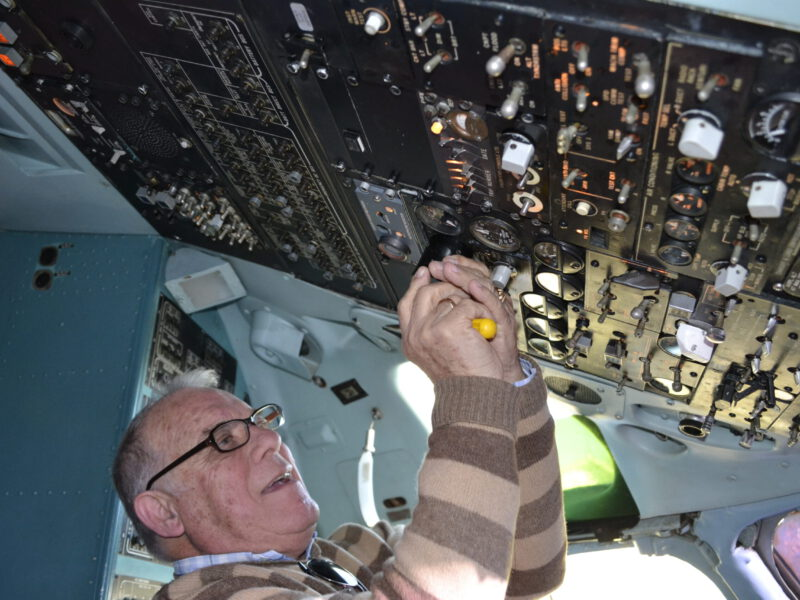 La iluminación constante de la cabina de Dc-9