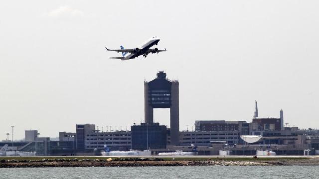 Resultado de imagen de aeropuerto de boston