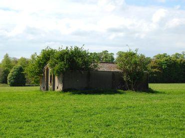 Unidentified brick hut