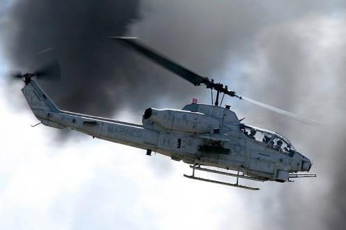 © Mark Forest - Bell AH-1W Super Cobra • United States Marine Corps • MCAS Miramar Airshow 2007
