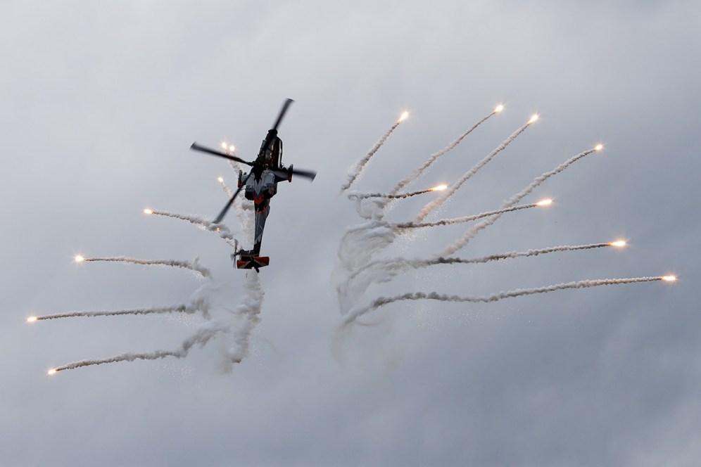 © Adam Duffield • RNlAF AH-64 Apache Q-17 • Luchtmachtdagen 2014