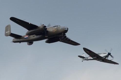 © Jamie Ewan • Spitfire MkIX MK732/PH-OUQ & North American TB-25N Mitchell 232511/PH-XXV • Luchtmachtdagen 2014