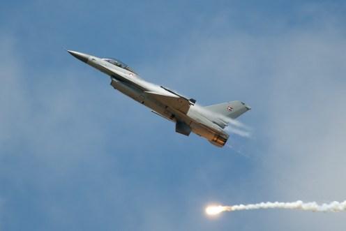 © Duncan Monk • RDAF F-16 Solo • RDAF Karup Airshow 2014