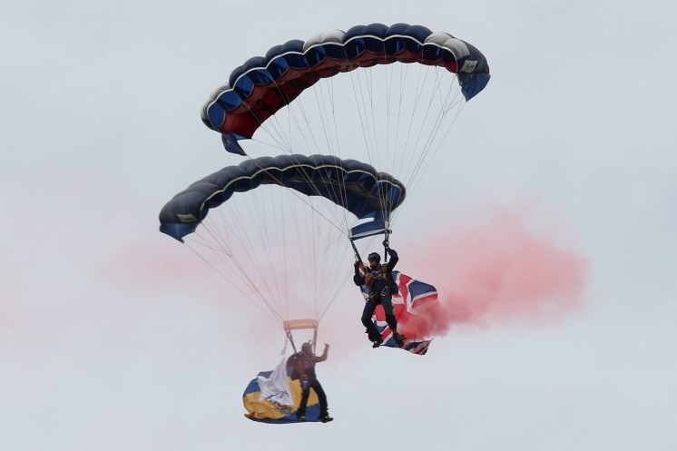 © Jamie Ewan • British Army Tigers Parachute Display Team • Dunsfold Wings & Wheels 2015