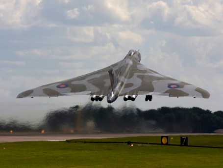© Jim Simpson - Take off shot, its first official display take off - Vulcan XH558 Image Wall