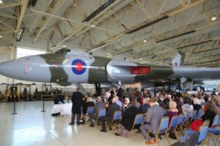 © Neil Winter - Wedding under XH558 19/10/2014 - Vulcan XH558 Image Wall