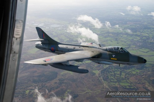 © Harry Measures - Hawker Hunter F.58 ZZ190 - Air to Air Photography