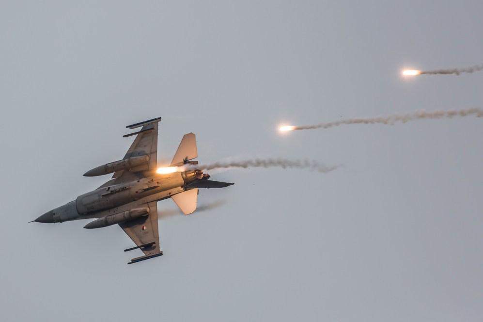 © Ben Montgomery - RNlAF F-16A - Luchtmachtdagen 2016