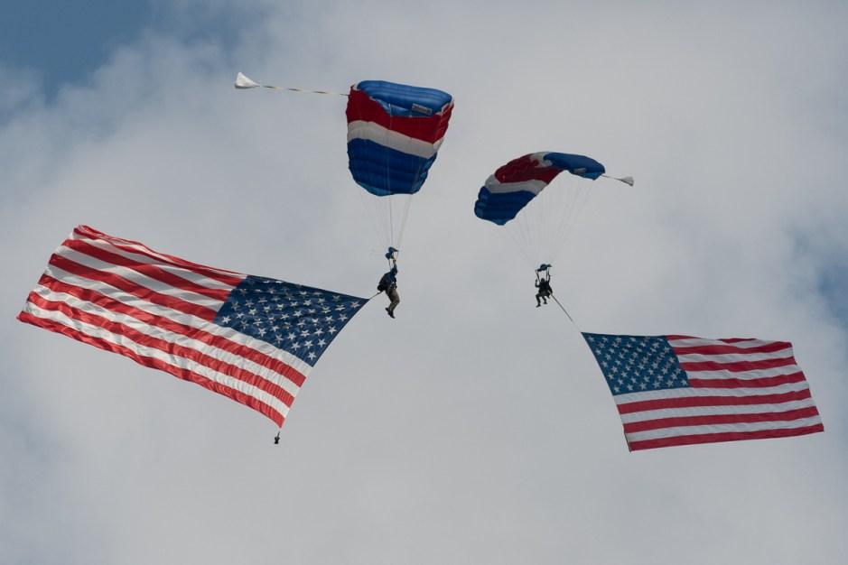 © Duncan Monk - US Flag Parachutists - NAS Oceana Airshow 2017