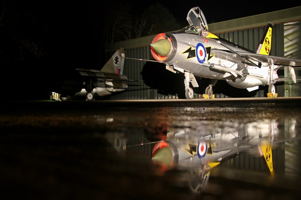 English Electric Lightning F3 XR713 / C (56 Squadron)