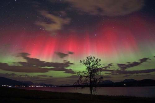 Red Green Aurora Picture
