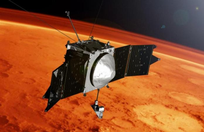maven-mars-orbiter-spacecraft picture