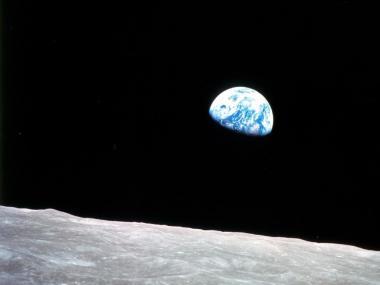 Earthrise - Christmas in Moon Orbit