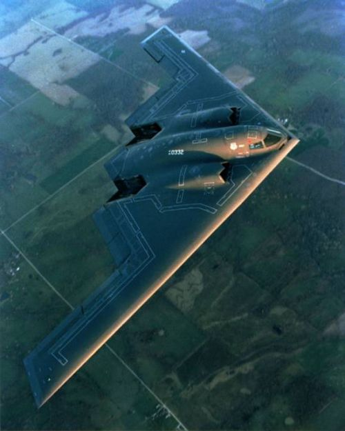 https://i0.wp.com/www.aerospaceweb.org/aircraft/bomber/b2/b2_06.jpg