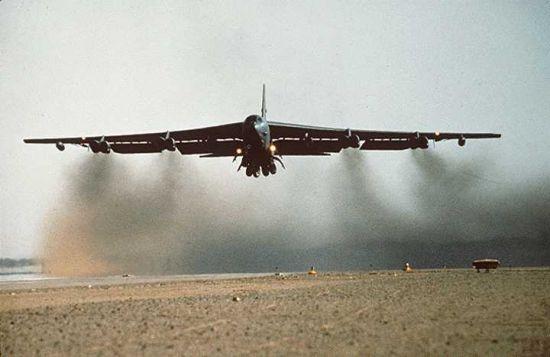 b52 04 B 52 Ağır Bombardıman Uçağı Hakkında Bilgi