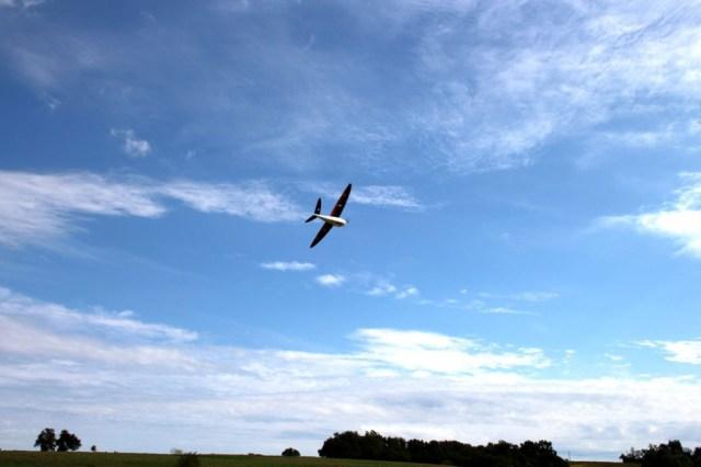 DT26X-flying-3-web