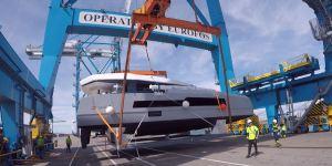 McConaghy 50 catamaran unloading