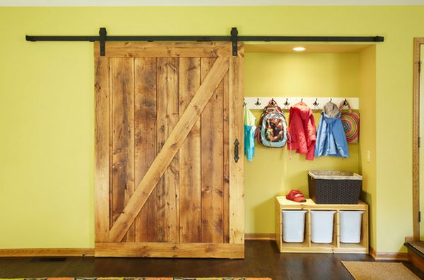 barn-door-entryway-room-storage