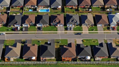 Figure 1: Suburban Community – http://grist.org/cities/pushing-poor-people-to-the-suburbs-is-bad-for-the-environment/