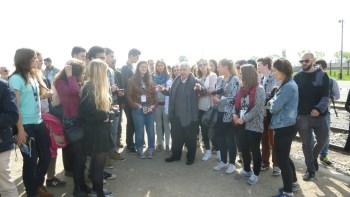Alberto Israël expliquant l'arrivée à Birkenau