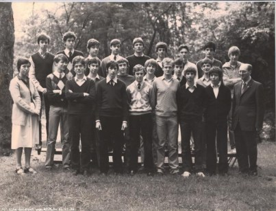 Album : 1983 1983 A 6ème Latin-Grec A 1982-1983 Titulaire : Père De Schuyteneer, sj