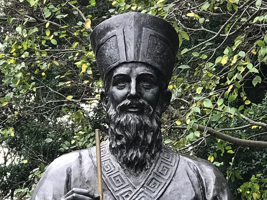11.matteo-ricci-statue