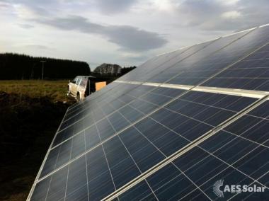Solar ground mount in Marin Ford
