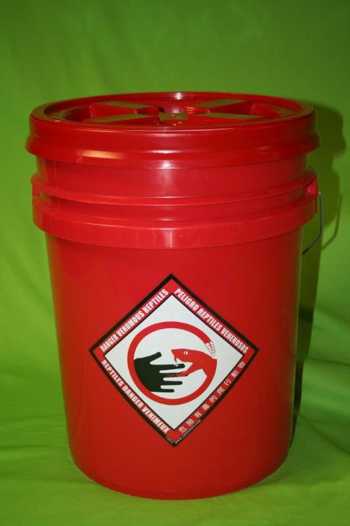 Snake Bucket Set Animal Equipment By Stoney