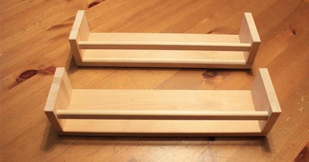 Utiliser Les Etageres A Epices Ikea En Dehors De La Cuisine