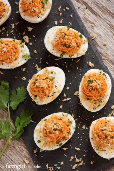 A Farm Girls Dabbles   Sriracha Deviled Eggs with Garlic Toast Crumb Topping