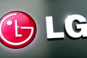 LG brevetta lo smartphone con display arrotolabile