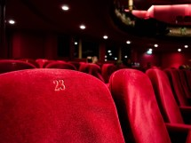 Film al cinema prima in sala e poi in streaming. E l'Anec protesta.