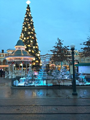 Christmasy Disneyland