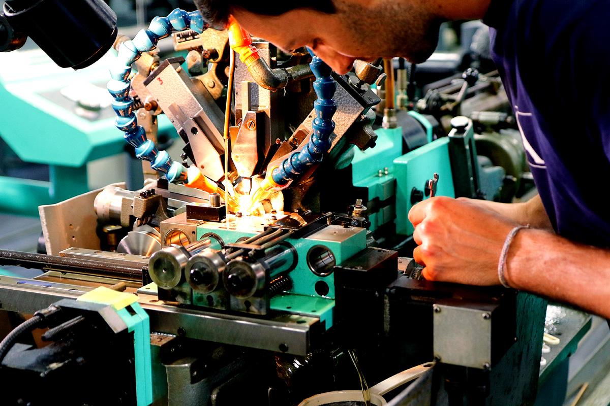 Formation, apprentissage, mécanicien de production option décolletage