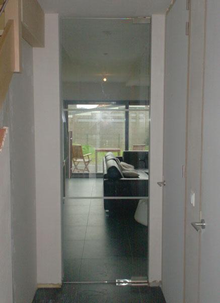 Binnendeuren en trappen  Glazen binnendeur  Afgewerkt
