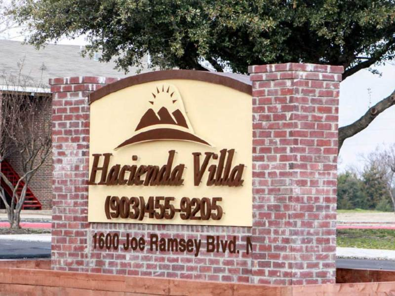 Hacienda Villa Apartments
