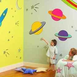 الرسم على جدران المدارس وغرف الاطفال