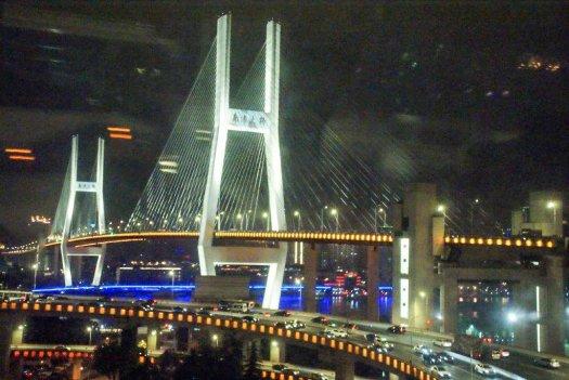 La magie de la nuit à Shanghai