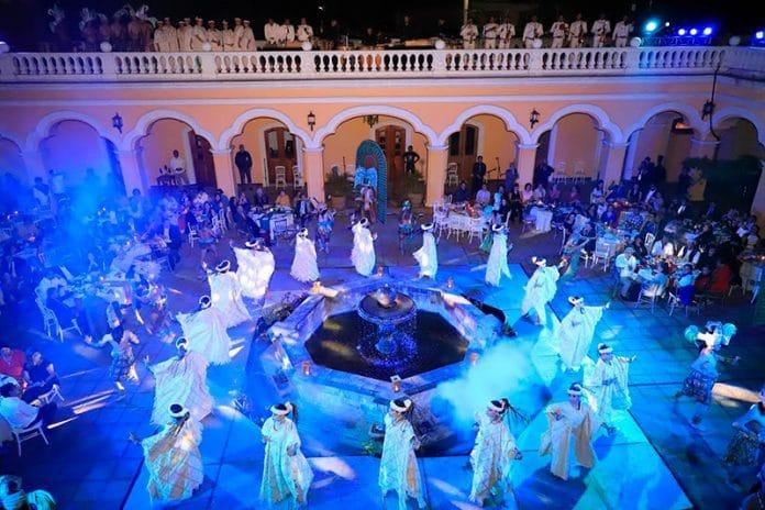 balletflork 696x464 - Con éxito, realiza Ballet Folklórico cena con causa para su gira anual