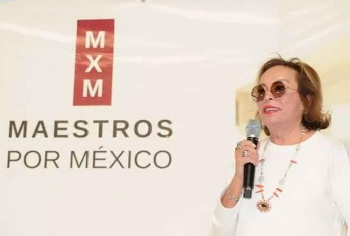 elba esther maestros 696x470 - Elba Esther regresa con nuevo partido y financiamiento en 2020