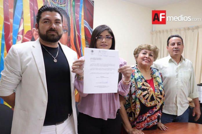 lizanayaverde 1 696x464 - Liz Anaya renuncia a fracción de Morena; considera que solo buscan intereses personales