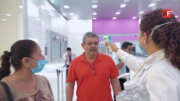 AFmedios Jalisco instala filtros de revisión por COVID 19 9 696x393 - Jalisco instala filtros de revisión en destinos turísticos, aeropuerto y centrales por COVID-19